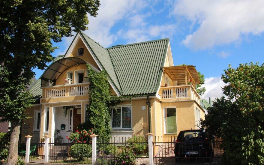 Рейд в Паланге: уплата налогов все еще зависит от честности арендодателей
