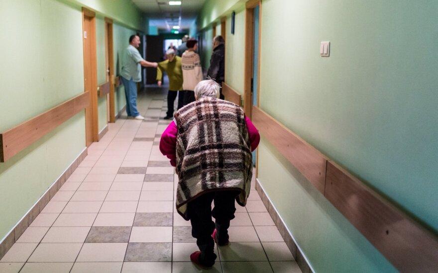 """Преподавательница из Каунасской коллегии поразила студентов: на лекции рассказала об обязательной эвтаназии """"бесполезных стариков"""""""