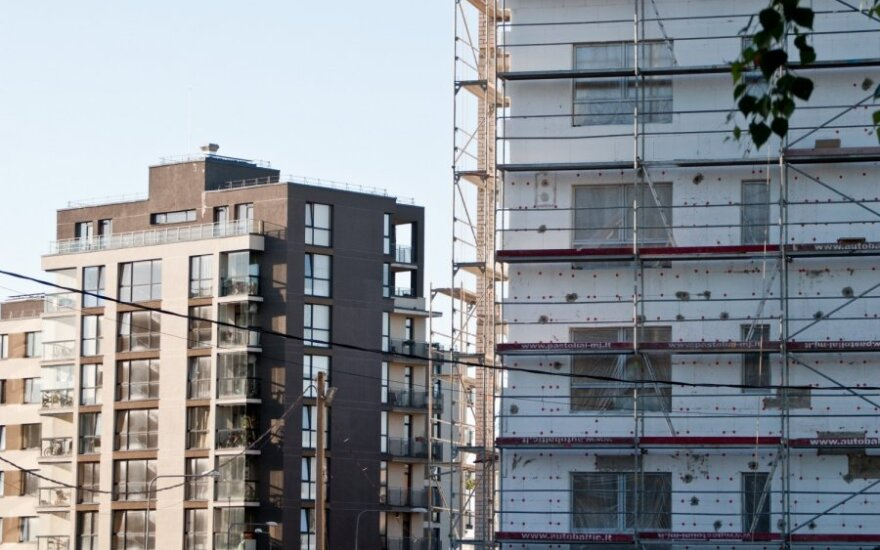 На модернизацию домов выделят дополнительно 100 млн. литов