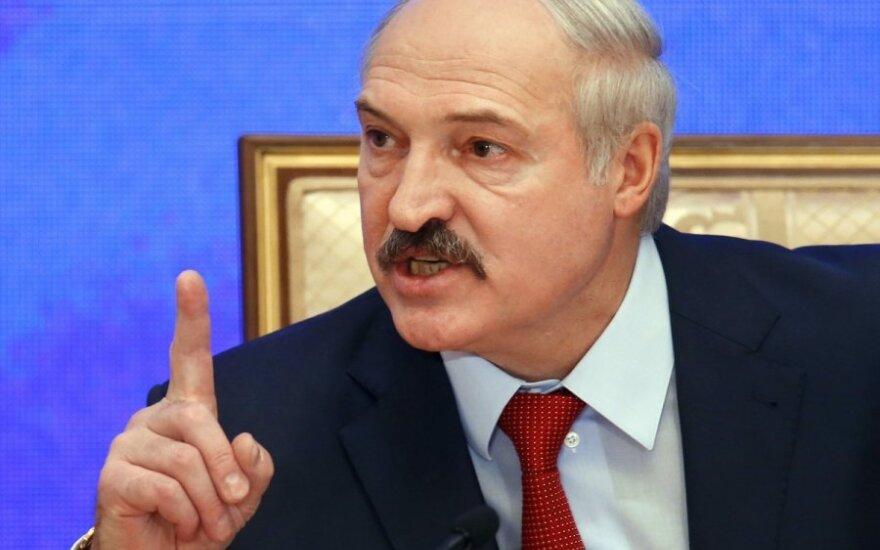 """Лукашенко назвал белорусский опыт """"переживания"""" многолетнего кризиса уникальным"""