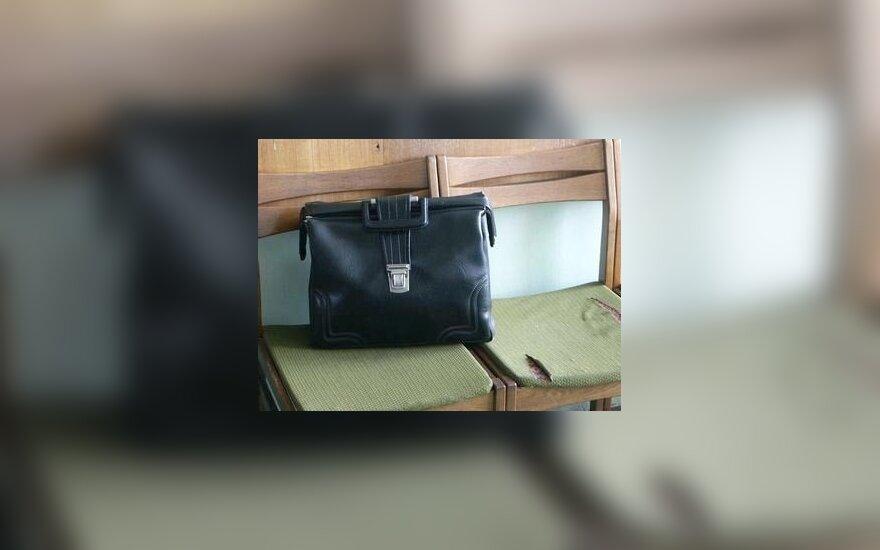 Verslas, dokumentai, lagaminas