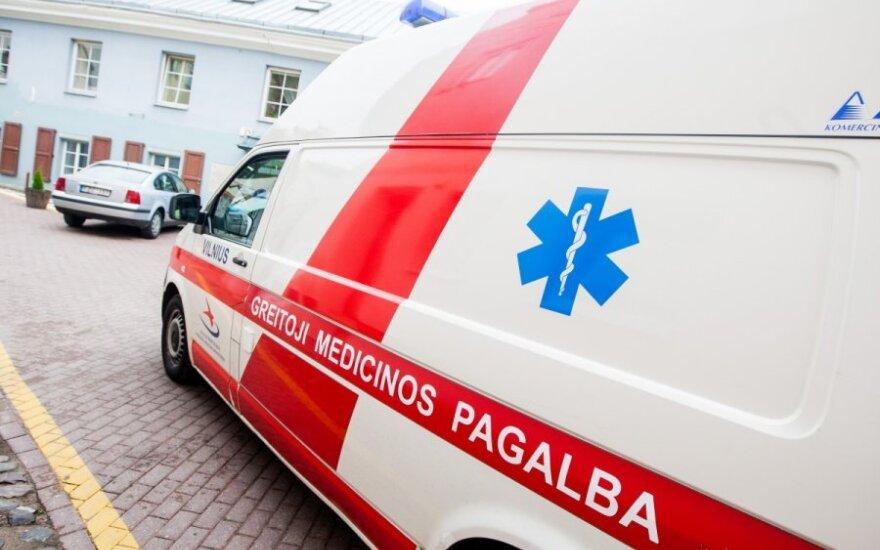 В Вильнюсе на перекрестке автомобиль сбил пешехода