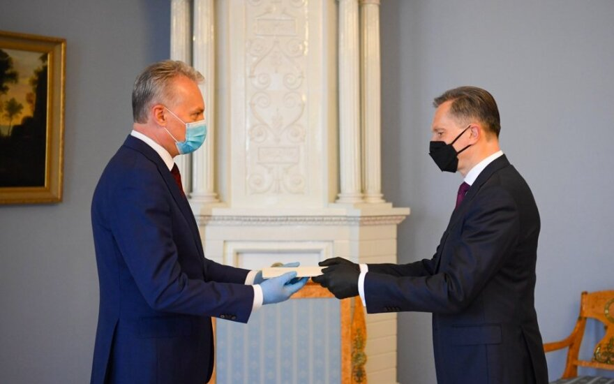 Президент Литвы вручил верительные грамоты новому послу в РФ