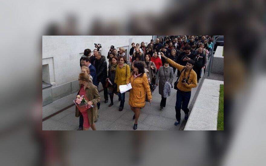 Протест против реновации в Москве перерос в стихийное шествие