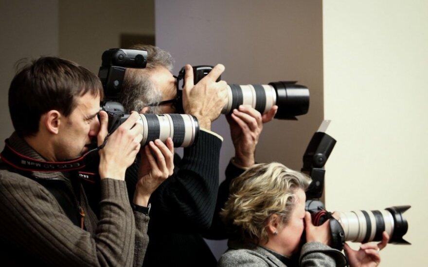 Российские СМИ отключили иллюстрации в поддержку арестованного фотографа, освещавшего акцию Greenpeace
