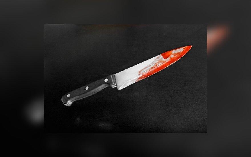 peilis, kraujas, sužalojimas