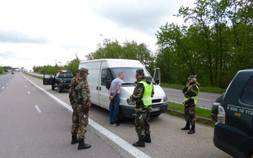 Į Lietuvą plūsta nelegalai