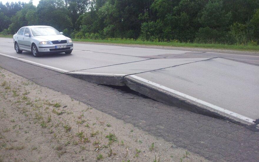 Deformuotas kelias Vilnius-Utena