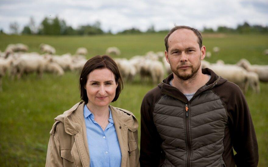 Жизнь в столице семья променяла на собственное хозяйство: выращивают овец и ни о чем не жалеют
