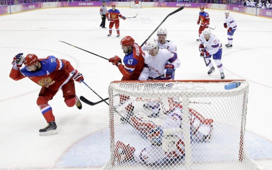 Rusijos ledo ritulininkai žengė į ketvirtfinalį ir susitiks su suomiais