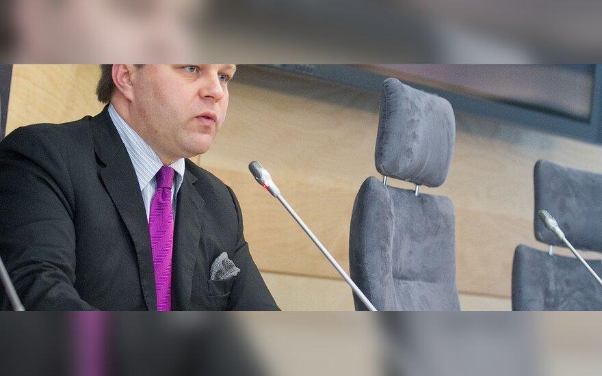 Адоменас назвал КС Литвы правовой хунтой