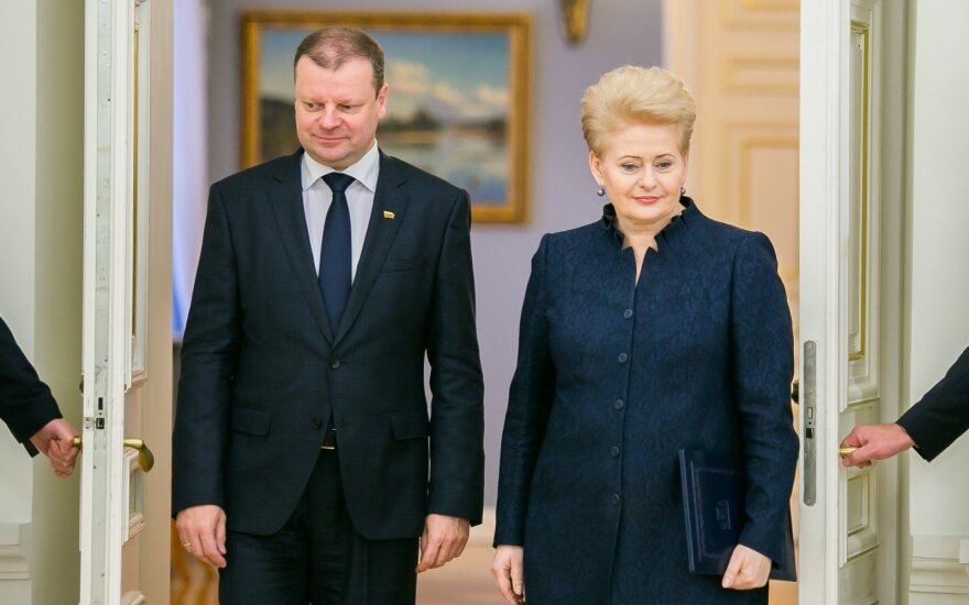 """Премьер Литвы: президент представляет """"одну политическую партию"""""""