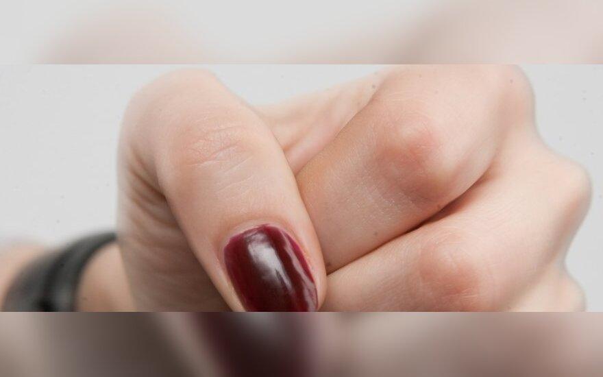 Пьяные несовершеннолетние девушки избивали 17-летнюю