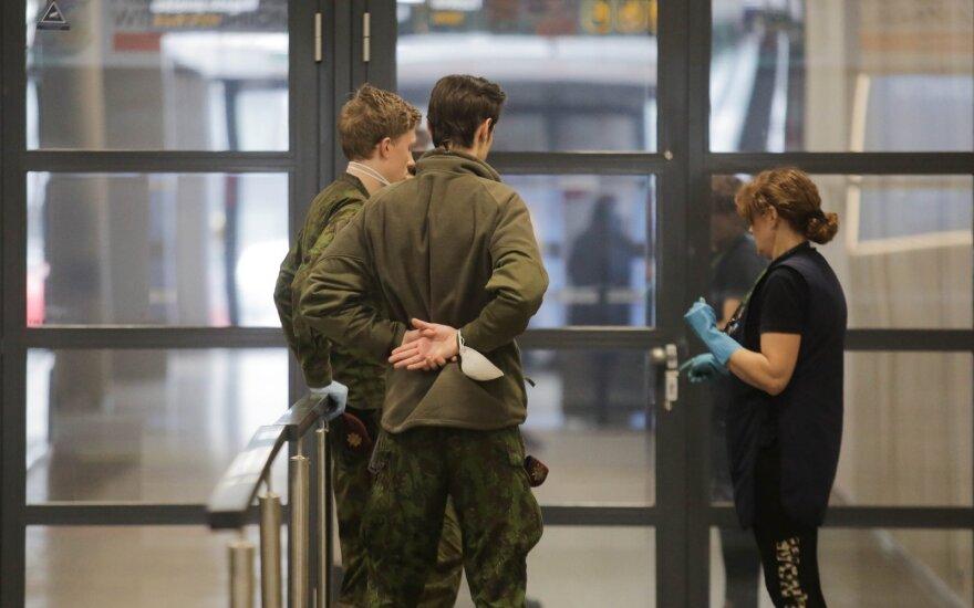 С начала карантина из Литвы не выпустили почти 400 лиц, а не впустили – 800