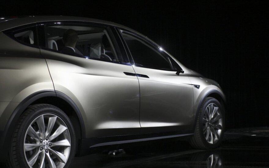 Tesla готовит электрического конкурента для BMW, Audi и Mercedes