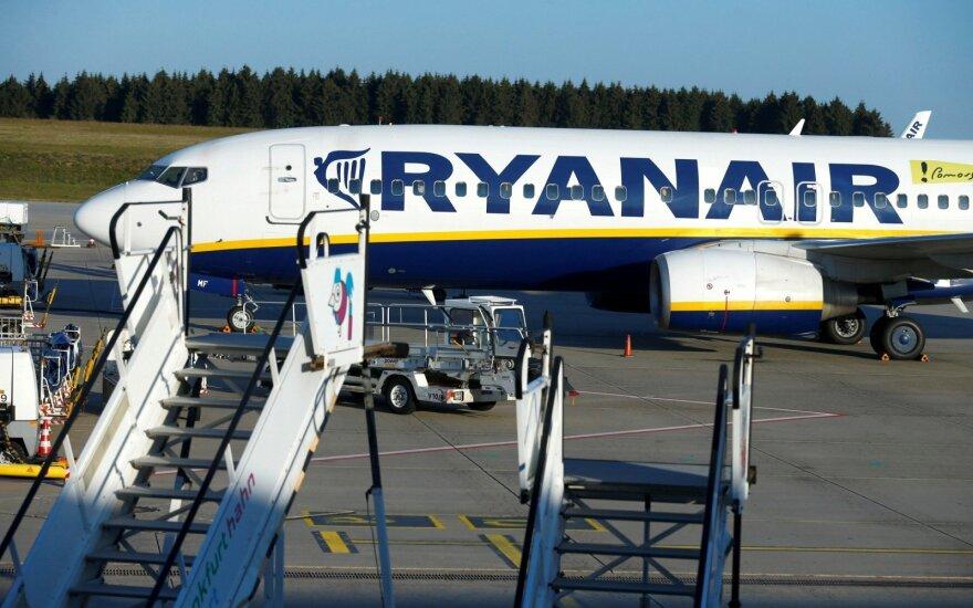 Самолет Ryanair, вылетевший из Вильнюса, вернулся назад из-за проблем со здоровьем у пассажира