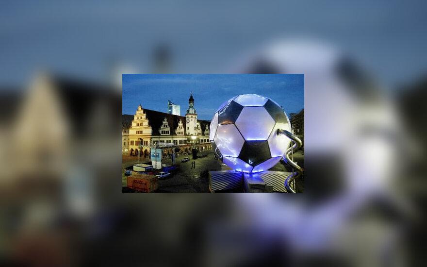 Gigantiškas FIFA kamuolys