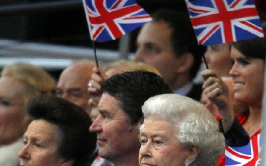 Elizabeth II koncerte karūnavimo jubiliejaus proga