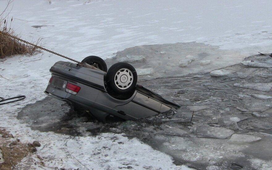 Клайпедчанин утопил только что приобретенный BMW