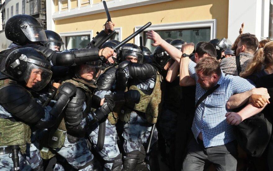 Maskvoje per demonstraciją sulaikyta daugiau kaip 500 žmonių