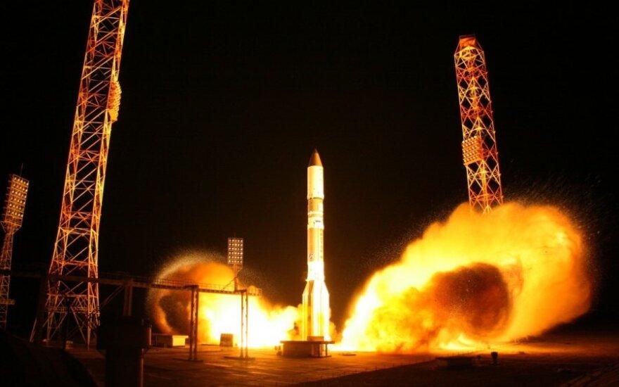 """Raketos """"Proton-M"""" startas"""