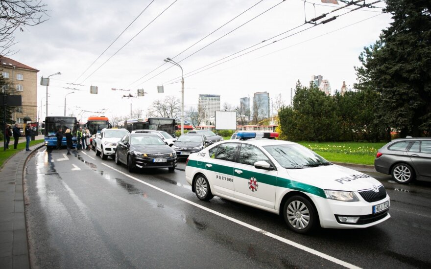 Массовое ДТП в Вильнюсе: столкнулись автобус и четыре легковушки
