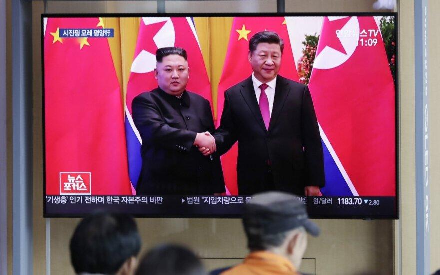 Лидер Китая приехал в КНДР впервые за 14 лет: почему именно сейчас?