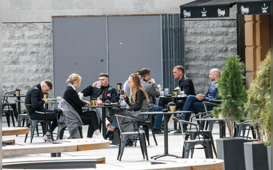 Kaune atidarytos lauko kavinės
