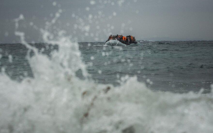 Мигранты в Средиземном море захватили спасший их танкер