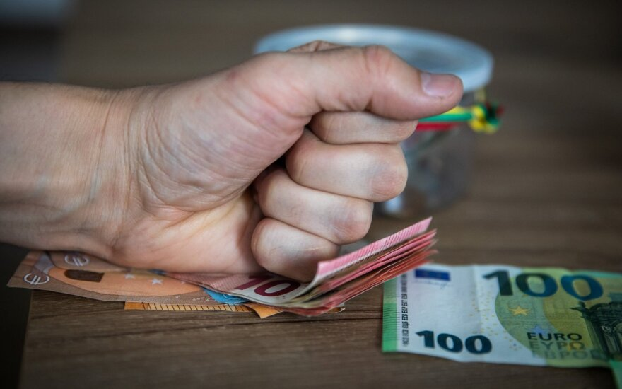 Экономист о снижении уровня бедности в Литве: радоваться нечему