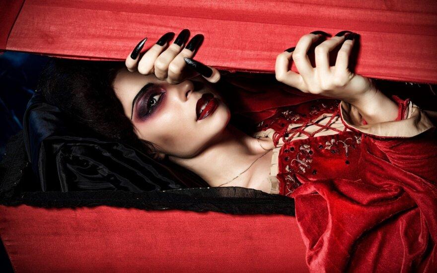 Названы лучшие фильмы о вампирах всех времен