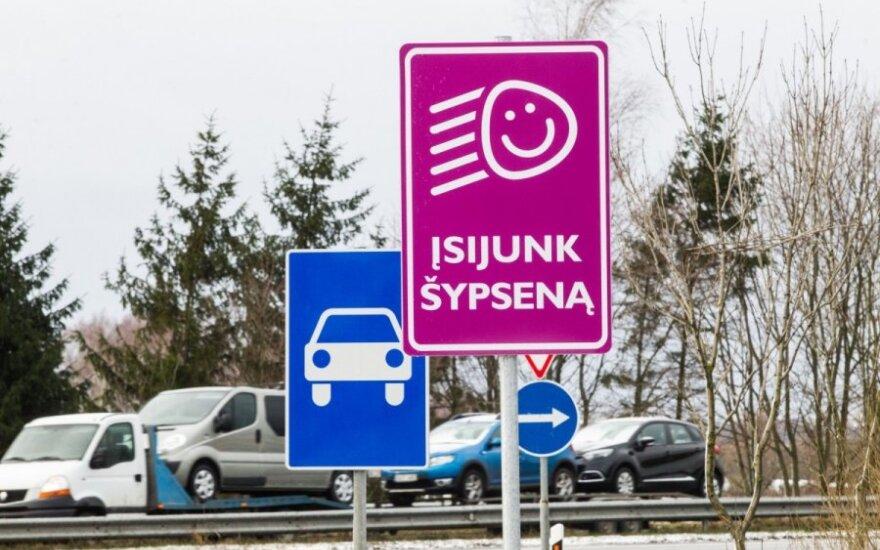 Nowy znak drogowy w Wilnie zachęca do... uśmiechu