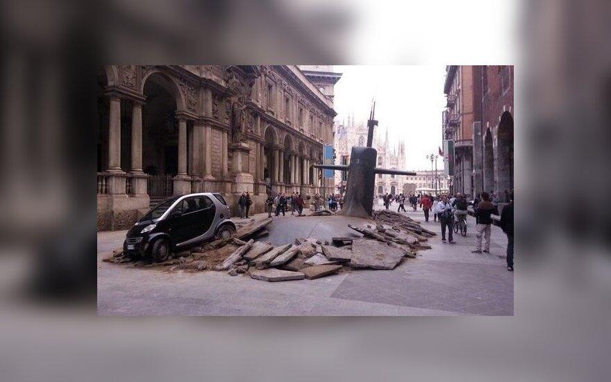 W Mediolanie, w środku miasta, wynurzyła się łódź podwodna