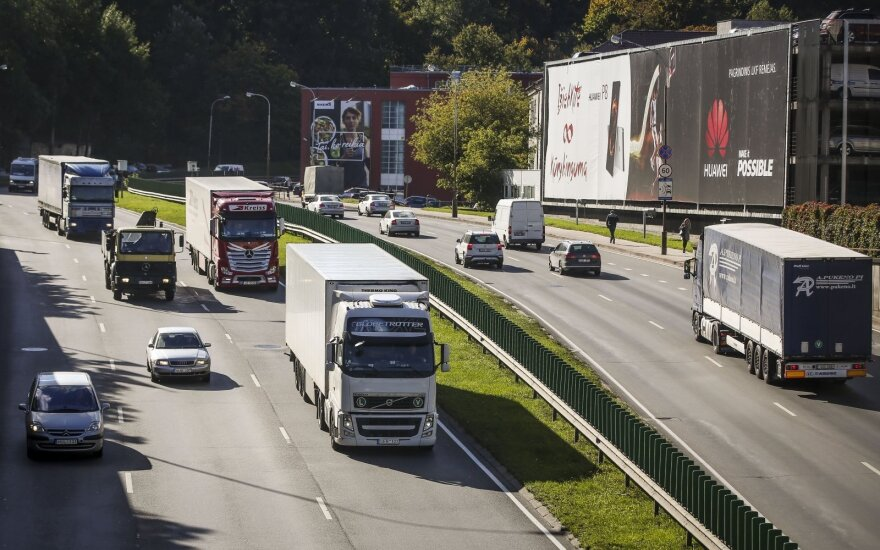 Источники: ЕС намерен обязать водителей фур возвращаться каждые 8 недель