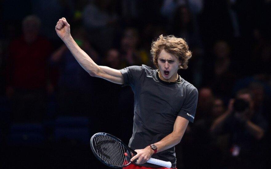 Теннисиста Александра Зверева освистали на матче с Федерером