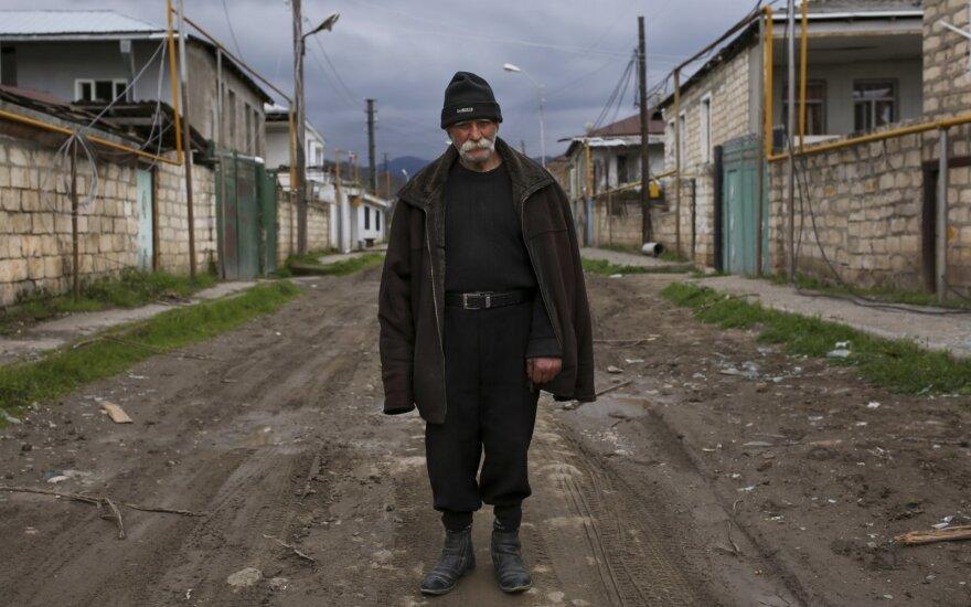 Азербайджан и Нагорный Карабах обменялись телами погибших
