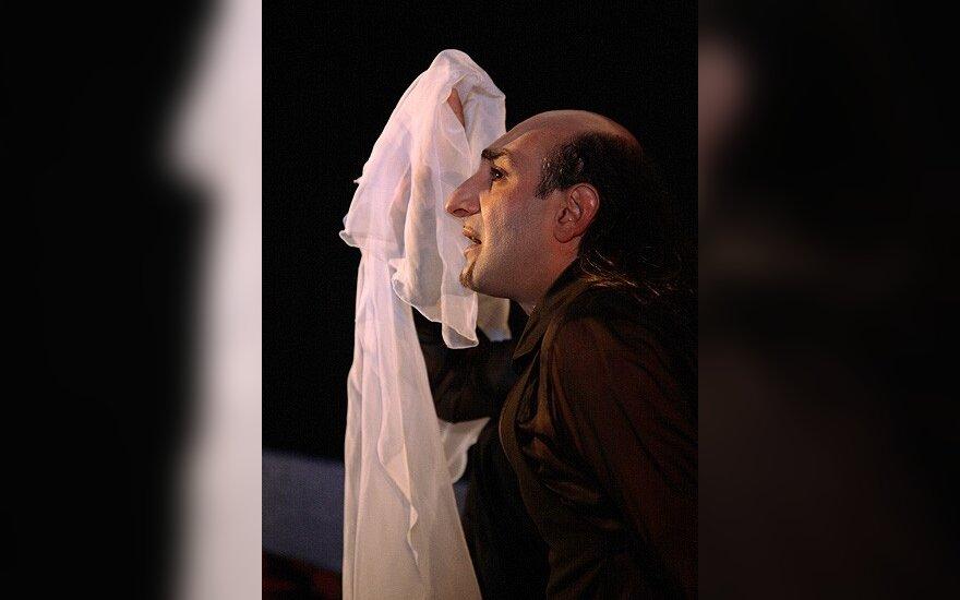 Арам Ованесян в роли Гамлета (Atspindys), фото Виталия Богдановича