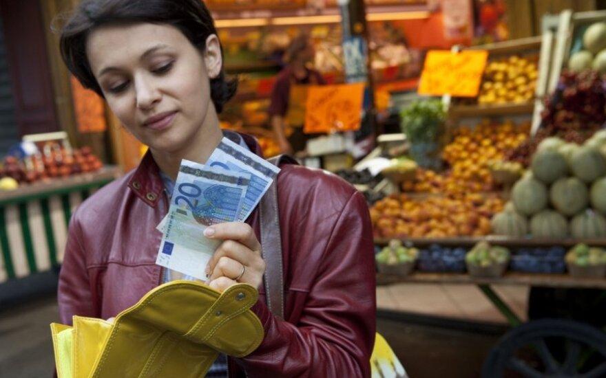 Позитивно евро оценивают 60% опрошенных в Литве