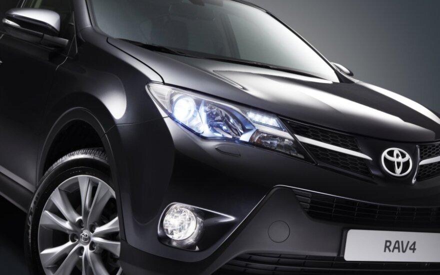Toyota рассказала о моторах и ценах нового RAV4