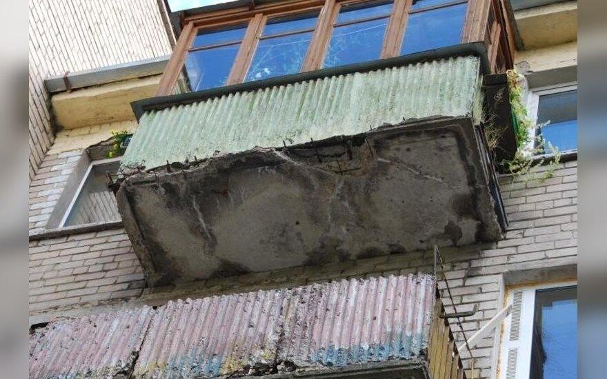 На балконах жарят шашлыки и даже держат коров