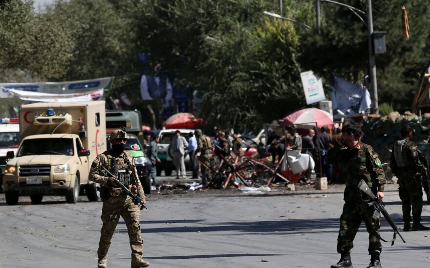 На предвыборном митинге президента Афганистана произошел взрыв: погибли 24 человека