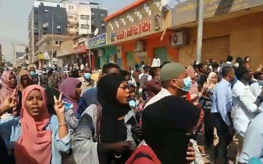 Sudane nerimsta protestai prieš prezidentą Al-Bashirą