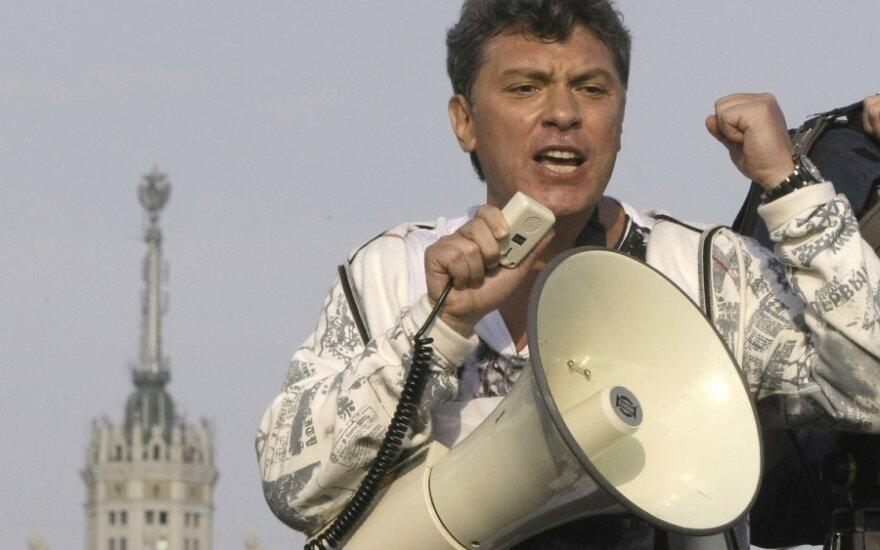 Niemcow: Litwa jest wolna i demokratyczna, a Rosja autorytarna