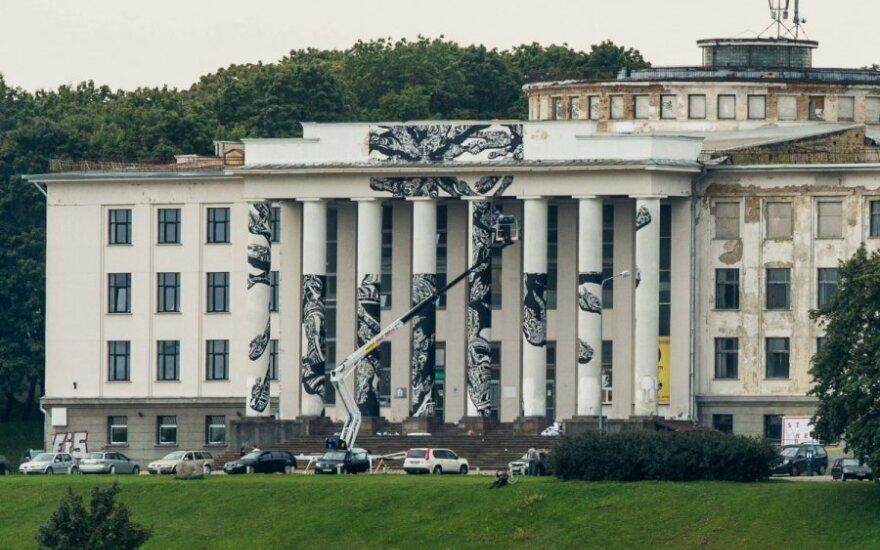 Polak maluje pałac na górze Bouffałowej
