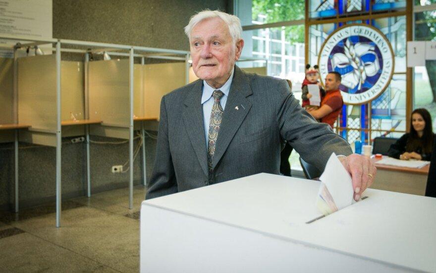 Адамкус: желаю, чтобы новый президент вывел Литву на международный уровень