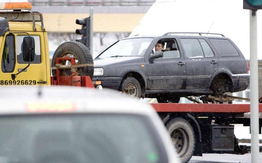 Automobilio transportavimas. Asociatyvi nuotr.