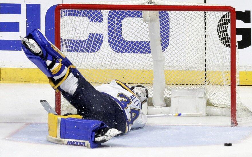 ВИДЕО: Хоккейный матч в Орске завершился безумным месивом с участием вратарей