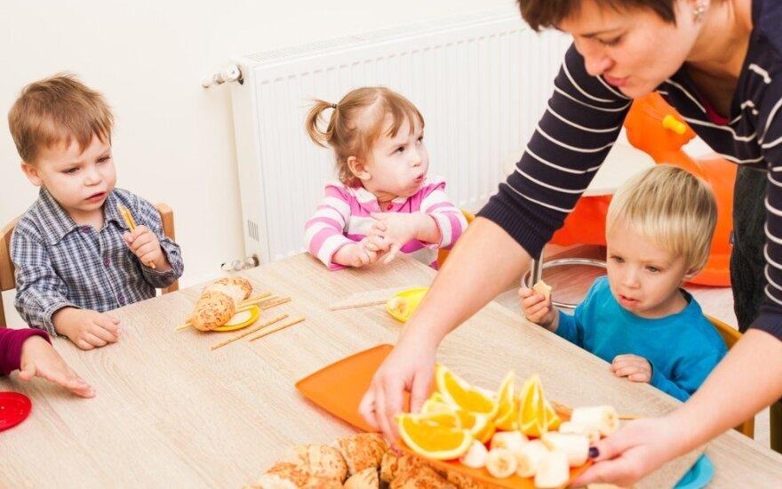 В парламенте Литвы – предложение платить деньги жителям, которые не водят детей в детские сады