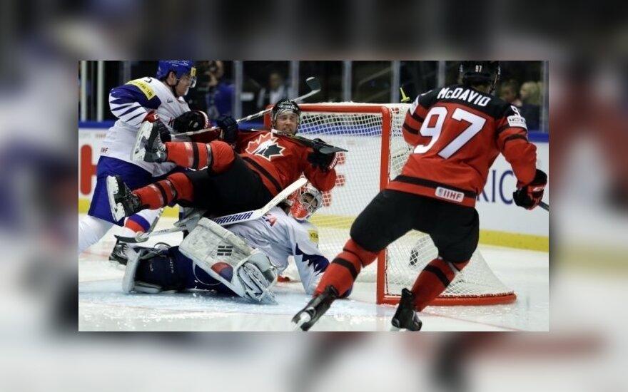 Канадцы первыми на чемпионате мира забросили 10 шайб, у Норвегии — первая победа