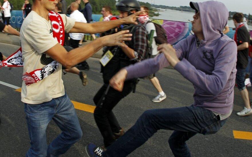 Российских футбольных фанатов депортировали из Польши